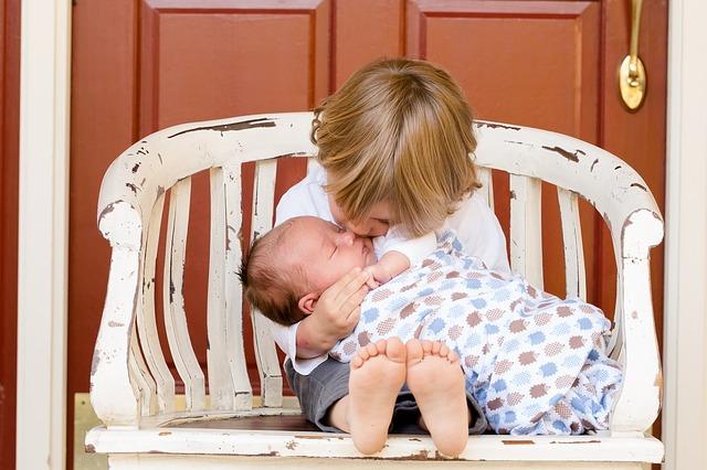 Praktyczne porady co trzeba kupić niemowlakowi