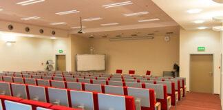Uczelnia prywatna, czyli zalety studiowania za pieniądze
