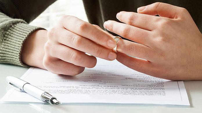 Różne typy złota w pierścionkach zaręczynowych